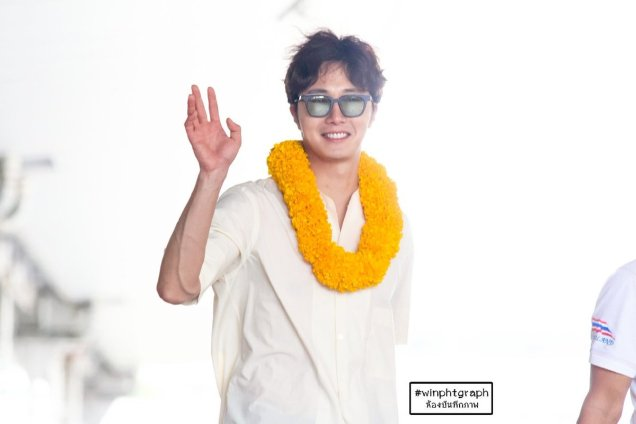 2016 6 5 Jung Il-woo arrives to the airport in Thailand for the filming of Love and Lies. 6