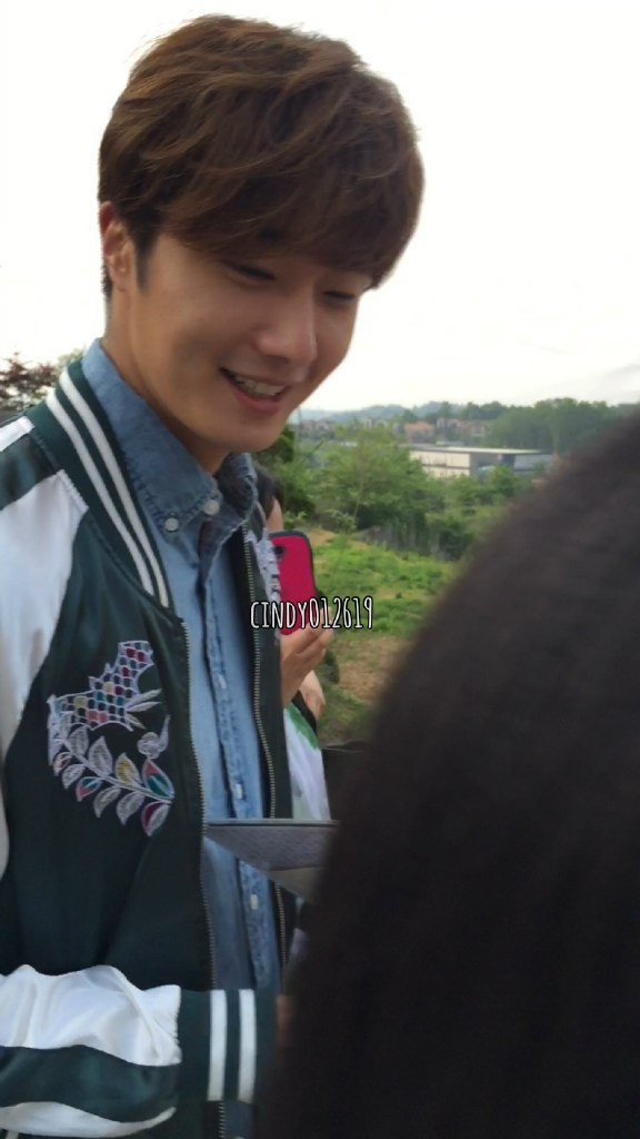 2016 Jung Il-woo in Cinderella and the Four Knights Behind the Scenes. Cr. Cindy012619. 1