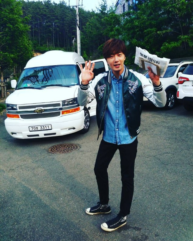 2016 Jung Il-woo in Cinderella and the Four Knights Behind the Scenes. Cr. Fan Taken. 2