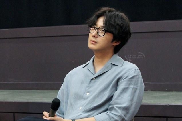 2019 7 21 Jung Il-woo at the Q & A session of the screening of the movie Black Summer. Cr. Ilwoostory Cafe 7