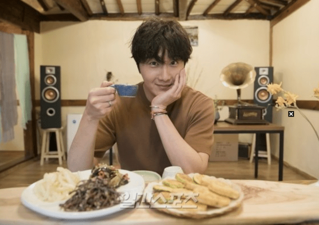 2019 8 2 Jung Il-woo for the Talk Show Drunk Talk Cr. isplus.live.joins. com via Naver 4