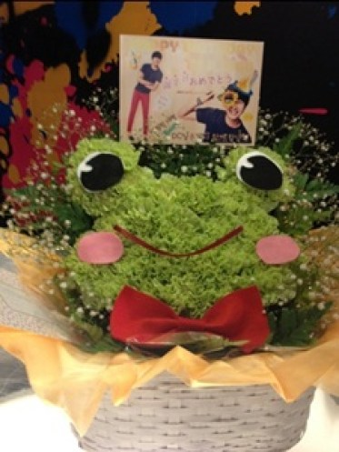 2012 9 9 Jungilwoo.com Diary Photos of his birthday gifts. 00002