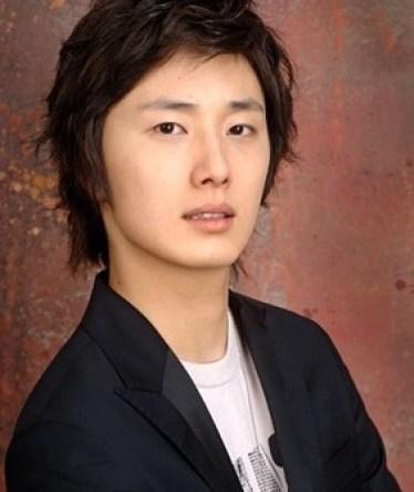 2006 Jung Il woo in High Kick.jpg