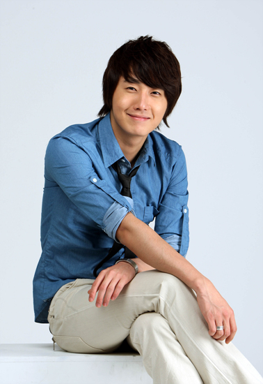 2009 7 JIW Blue Shirt 6.jpg