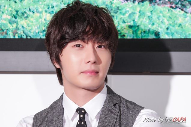 2012 10 23 Jung II-woo travels to Taiwan. China News 360 Interview Photos 00001