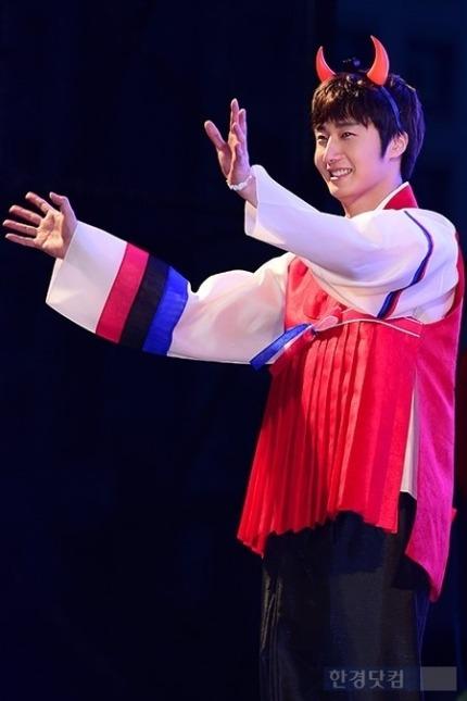 2014 6 Jung Il-woo in Infinite Challenge Cheering Episode 383 13