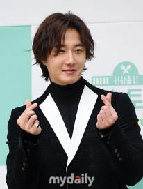 2019 10 25 Jung Il woo at the Press Conference for Convenient Restarurant KBS 6