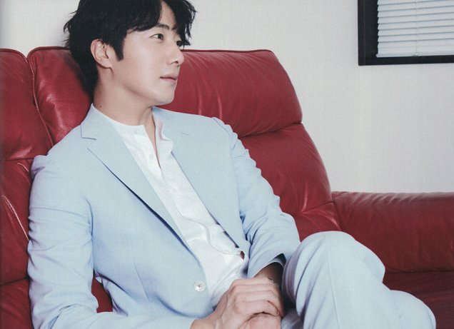 2019 7 Jung Il woo in the Japanese Magazine Channel Book. 20