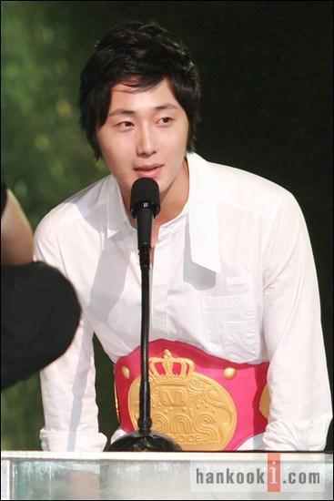 Mnet-20s-choice 10-2007 8 21.jpg