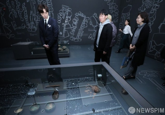 2019 12 3 Jung Il woo attending the Gaya Exhibit at the National Museum of Korea. 2