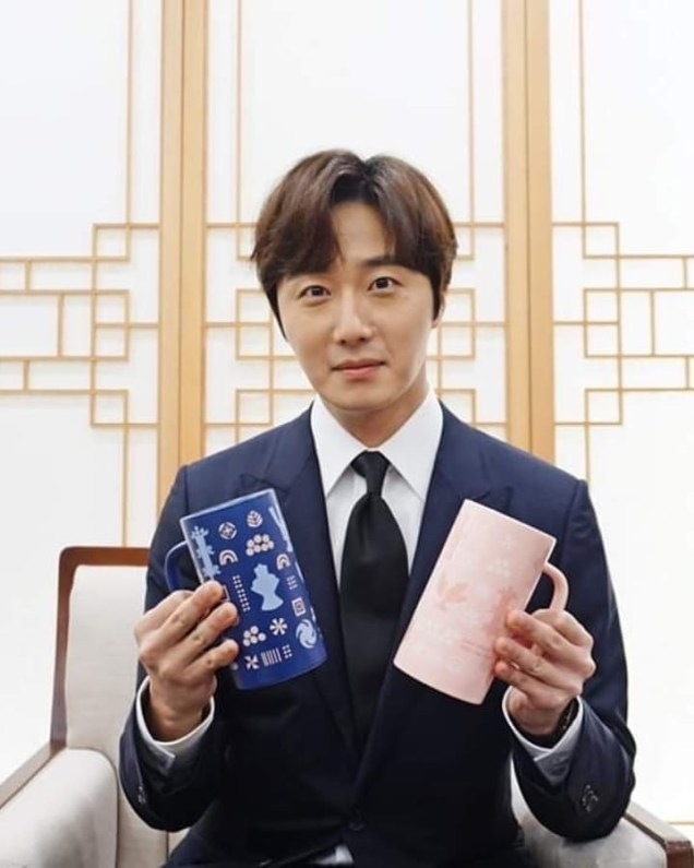2019 12 3 Jung Il woo attending the Gaya Exhibit at the National Museum of Korea. Cr. National Museum of Korea. 2