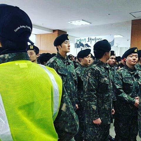 Jung II-woo during Military Basic Training 16.jpg