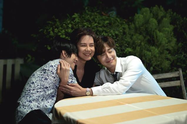2017 Jung Il woo in Love and Lies. Photo Compilation 4: With Family. Cr. True4U. 22