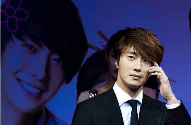 2011 Jung Il woo at the Press Conference of FLower Boy Ramen Shop. 3