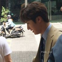 Jung Il woo in Behind the Scenes of Love and Lies. Photos with fans. 15