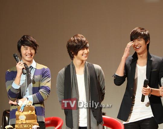 2010 9 5 JIW Fan eet Korea 5.jpg