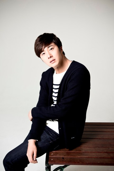 Jung Il woo in Golden Rainbow interview for the Japanese DVD.  2015.  1.jpg