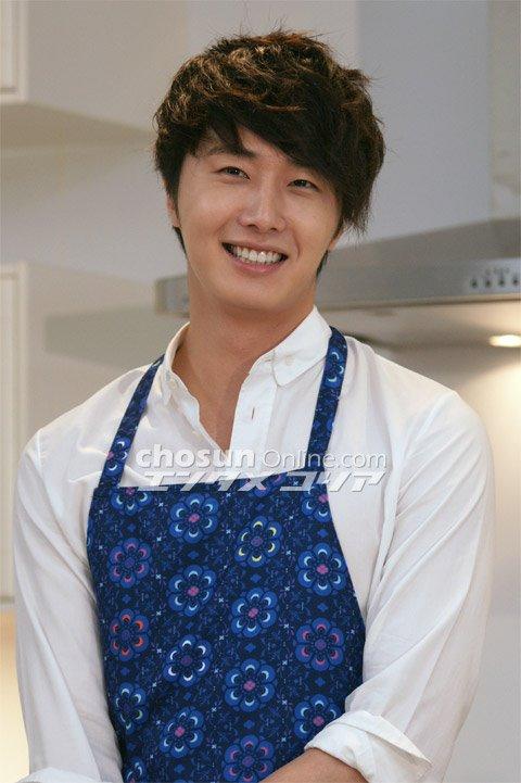 2012 3 JIW Jung II-woo in Japan Part 3 Flower Boy DVD Press 00009