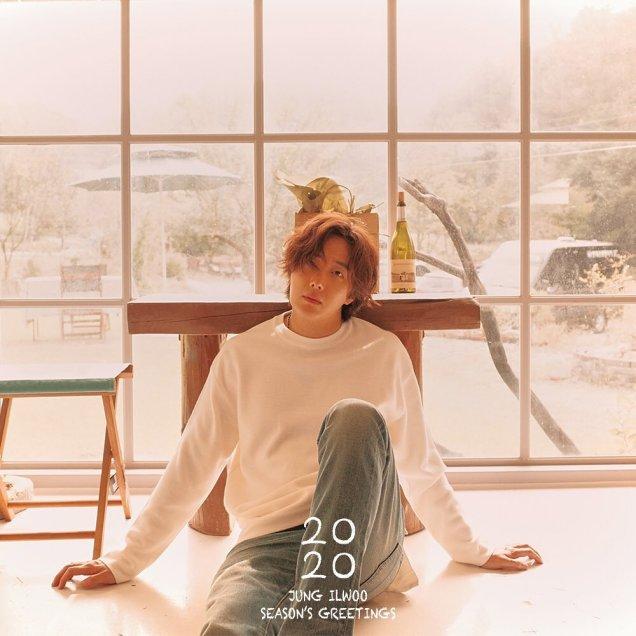 Jung Il woo making his calendar 2020. Cr. Jung Il woo. 5