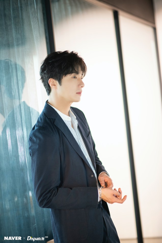 2020 6 15 Jung Il woo in a gorgeous photo shoot. Cr. Dispatch, Naver.5