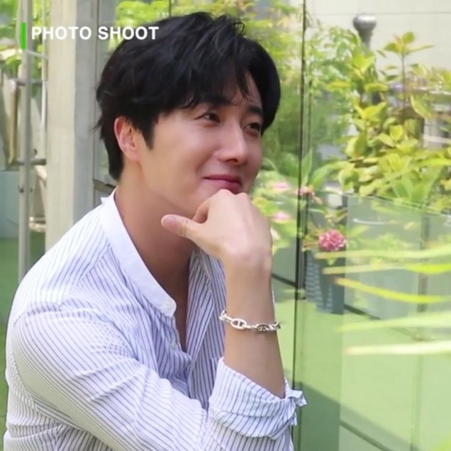 2020 6 15 Jung Il woo In Behind the Scenes pf a Photo Shoot. 8