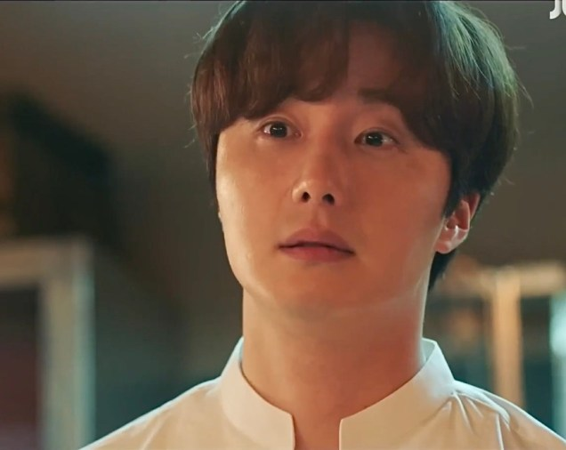 2020 6 29 JUng Il woo in Sweet Munchies Episode 11. My favorite Screen Captures. Cr. JTBC. Edited by Fan 13. 13