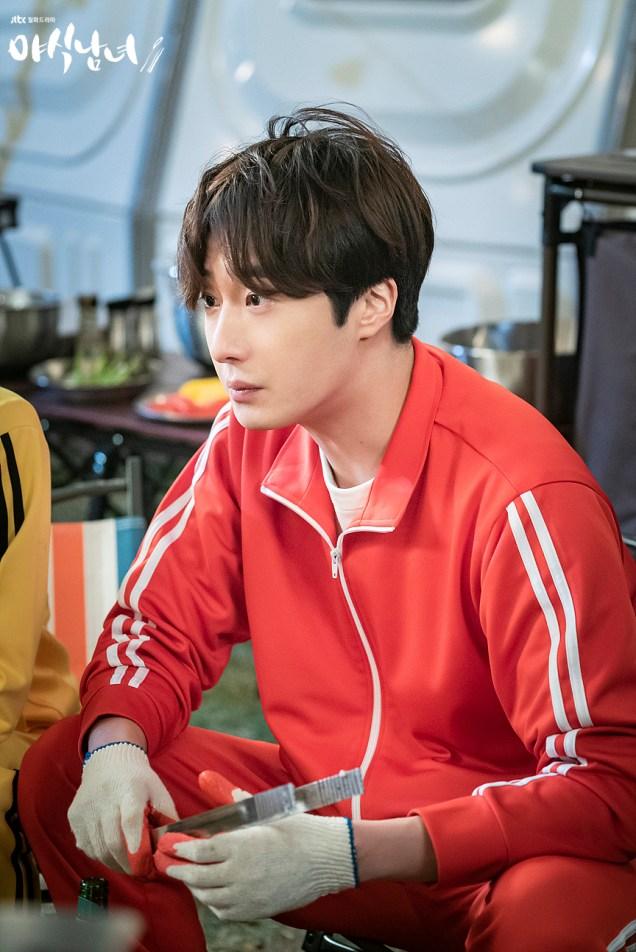 Jung Il woo in Sweet Munchies Episode 5. JTBC Stills. 7