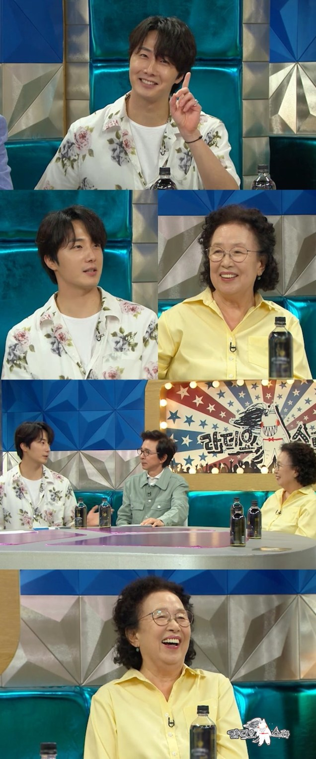 2020 08 19 Jung Il woo and Na Mun-hee in Radio Star Episode 682. Cr. YTN Star .jpg