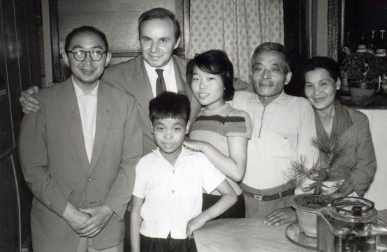 RobertJungk_Japanbesuch_Kaoru-Ogura_1959+