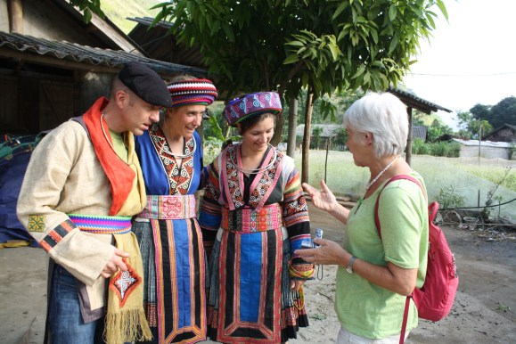 traditional clothes of H'moong people