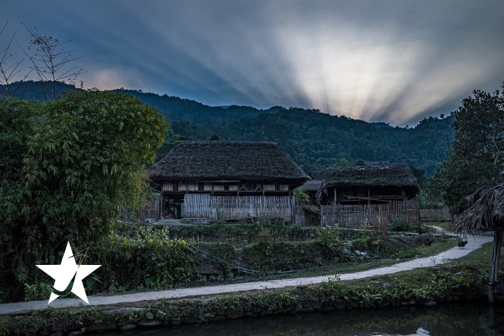 traditional house in ha giang