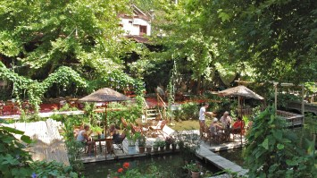 We took a last trip to the River Cafe in the afternoon, such a pretty spot.