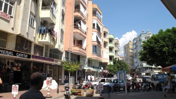 A brief excursion to a nearby town before saying goodbye to Turkey for now...