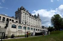 Am Rideau Canal - Blick auf das Château Laurier Hotel
