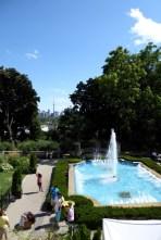 Im Hintergrund wieder die Skyline Torontos