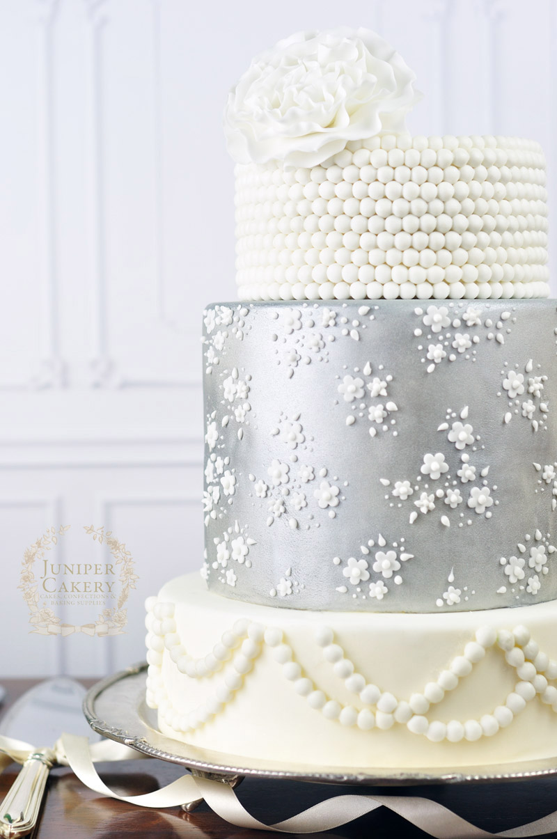 Silver Vintage Lace Wedding Cake!
