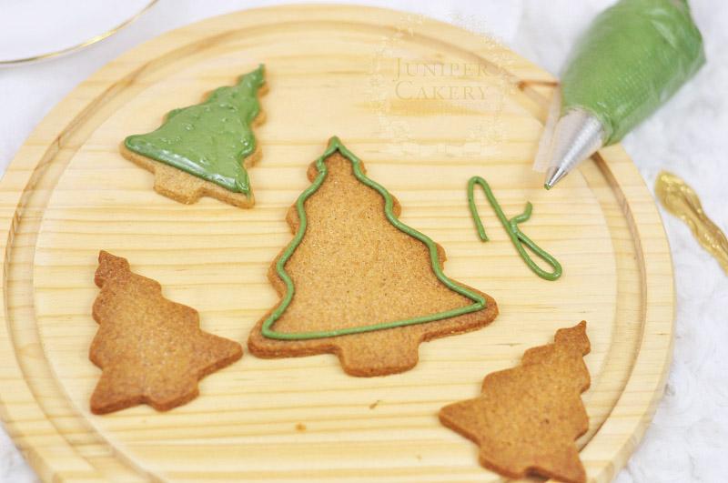 Christmas tree cookies tutorial by Juniper Cakery