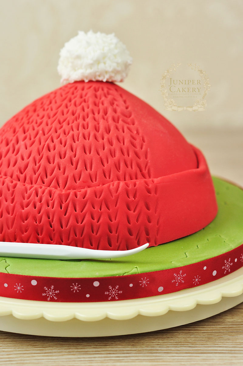 How to add a knit pattern to fondant by Juniper Cakery