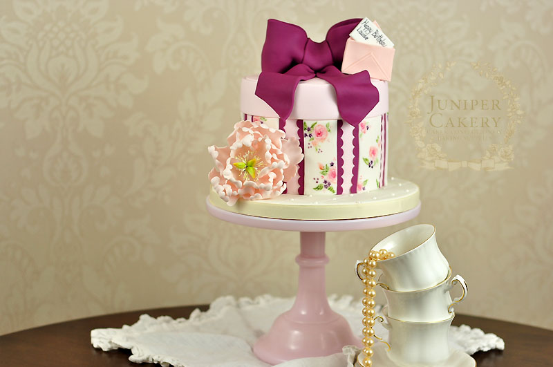 Vintage hat box birthday cake by Juniper Cakery