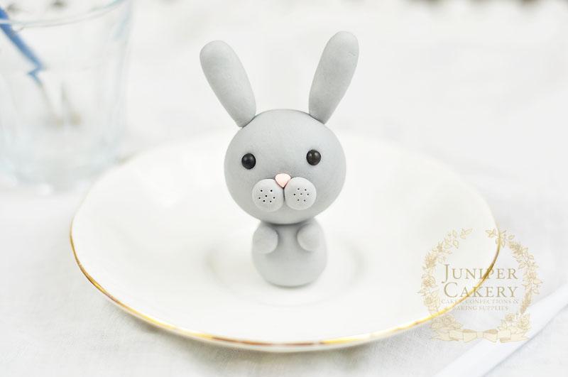 Adorable edible rabbit tutorial by Juniper Cakery
