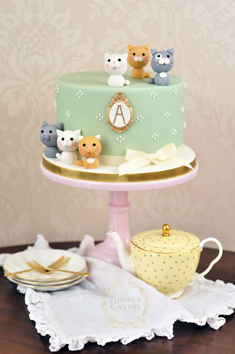 Kitten themed cake by Juniper Cakery