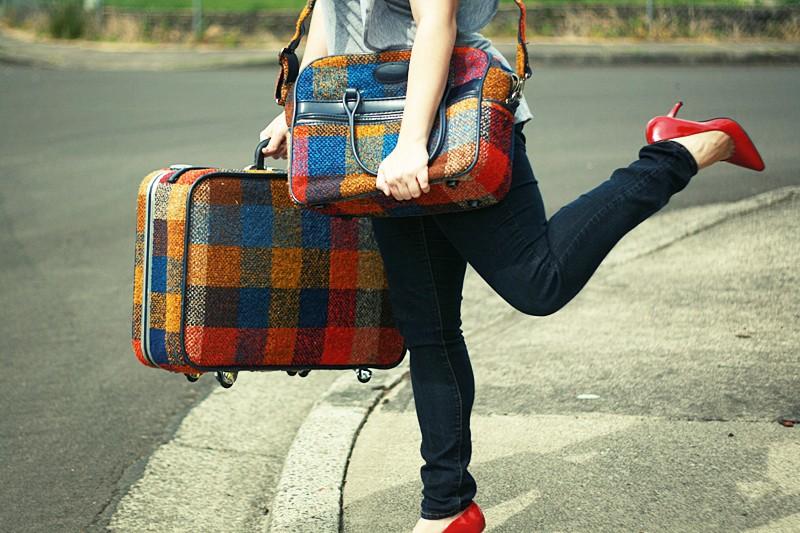 Buat yang Doyan Traveling! Tips dan Trik supaya Pakaianmu Tak Merepotkan Kala Traveling (1/2)