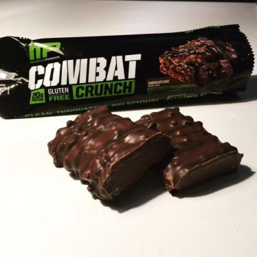 MusclePharm Combat Crunch Chocolate Cake