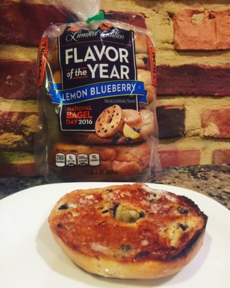 Thomas's Flavor of the Year Lemon Blueberry Bagels