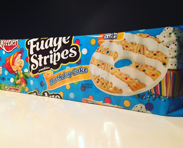 Review Keebler Fudge Stripes Birthday Cake Cookies Junk Banter