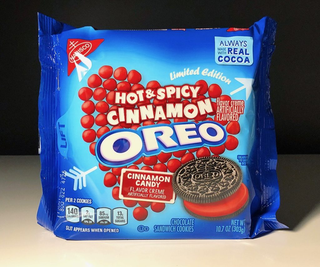 REVIEW Nabisco Hot Amp Spicy Cinnamon Oreos Junk Banter