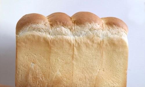天然酵母食パンは一日限定30本!『つばめパン&ミルク』北区サクマチ商店街に!あんトーストのモーニングも!
