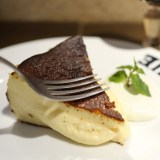 こんがり、中はとろ~りバスクチーズケーキ『BAR BASQUE(バルバスク)』名古屋駅 テイクアウトも!予約は?メニューは?
