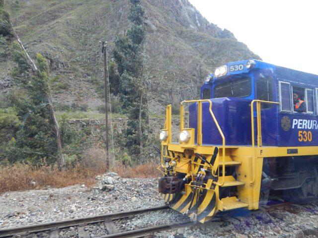 Viagem de trem de Ollantaytambo para Machu Picchu com a Peru Rail