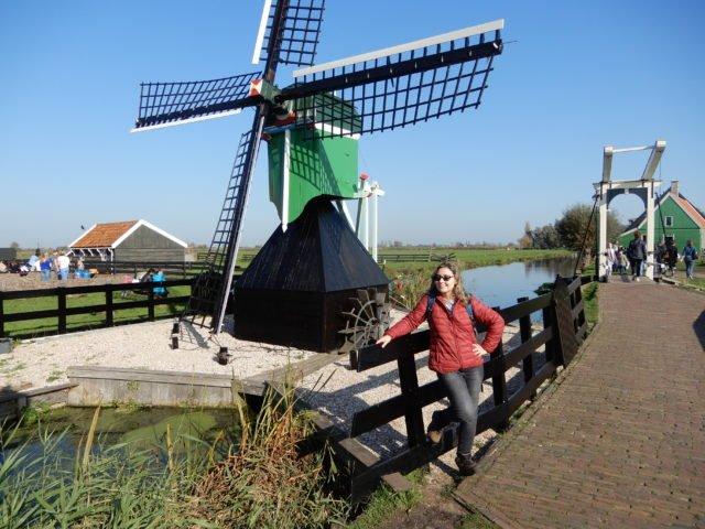 O que fazer em Zaanse Schans (Holanda), roteiro com moinhos, queijos e tamancos!